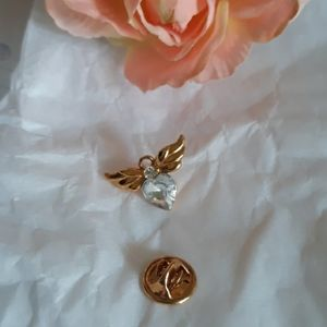 BEAUTIFUL ANGEL HEART LAPEL/PIN GOLD TONE, WITH WH